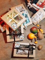 Наборы из орехов и сухофруктов